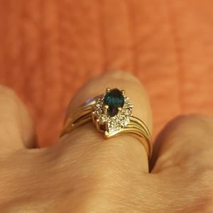Yellow gold emerald/diamond ring